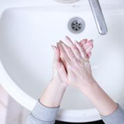 Händewaschen ist im Winter besonders wichtig.